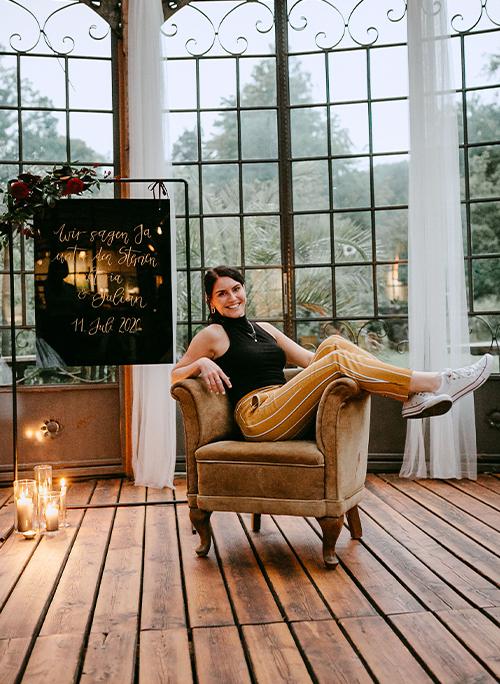 Janine Mayer